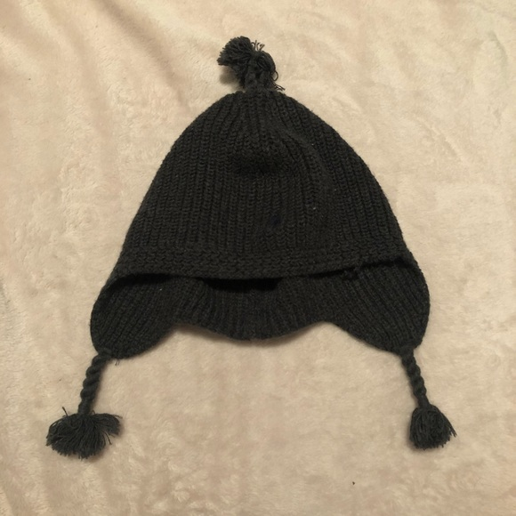 6db87f5efc9 Ralph Lauren Pom Pom Hat. M 5b1813889539f730aad49e7d